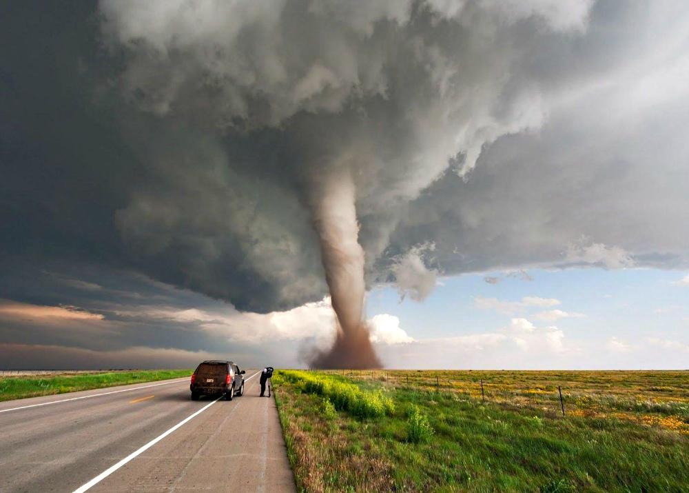 Экстремальные туры для ловцов торнадо