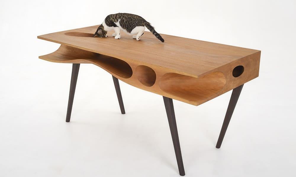 Стол с лабиринтом для кошек