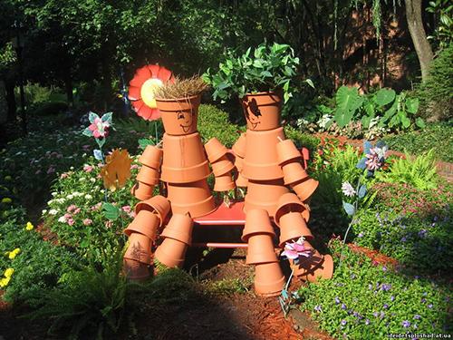 Фигурки из подручного материала для сада своими руками