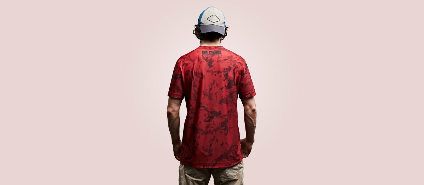 Бизнес-идея: футболки с дизайном грязи, пота и крови