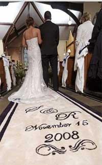 Идея прибыльного бизнеса: Ковровые дорожки для брачной церемонии