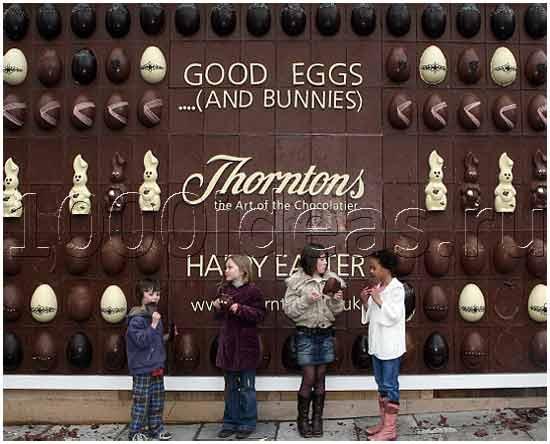 Биллборд из шоколада