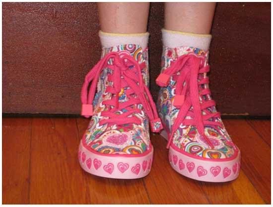 Идея № 2101. Забавный обучающий девайс на шнурки для детей