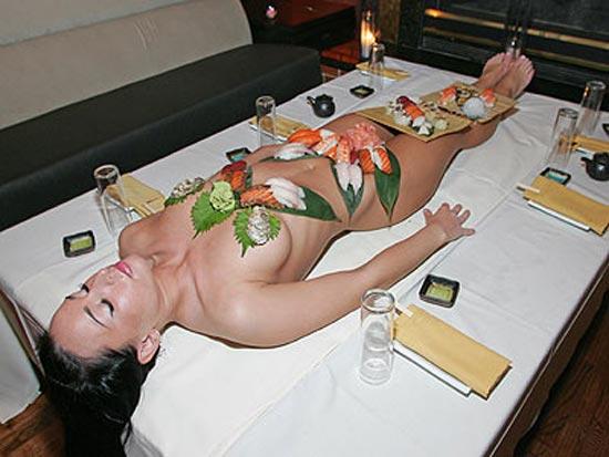 Бизнес идея № 2175. Необычный ресторан «голых суши» Nyotaimori