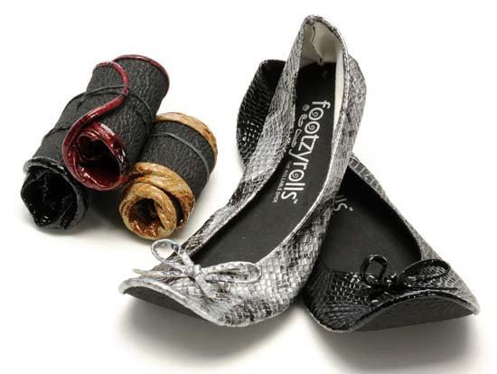 Две предприимчивые американки – Дженнифер Каплан (Jennifer Caplan) и ее сестра Сара Каплан (Sarah Caplan) придумали обувь на плоской подошве, которую можно легко скрутить в «ролл» и положить в небольшую коробочку или мешочек.