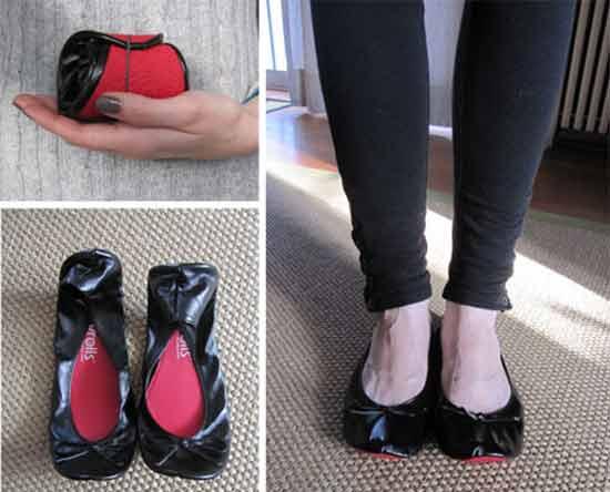 В комплект сворачиваемой обуви FootzyRolls входит мешочек, предназначенный для обуви на каблуках, которую женщины снимают, прежде чем надеть FootzyRolls.