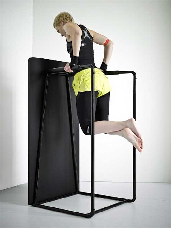 Это и современная мебель, выполненная в лаконичном стиле, и спортзал с тренажерами, отлично подходящий для эффективных спортивных тренировок в домашних условиях.