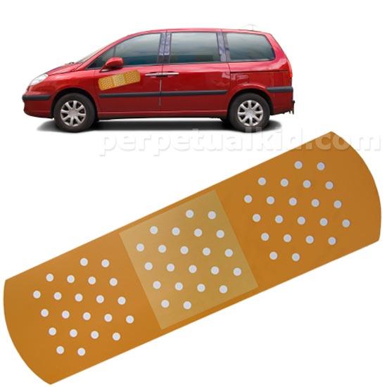 Называется пластырь для автомобиля Auto Aid Bandage Magnet, что-то вроде первой медицинской помощи для автомобиля.