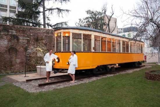 Транспортная компания QC Termemilano апустила необычный трамвай-сауну,  в котором можно отдохнуть, расслабиться, попариться, таким образом снять стресс