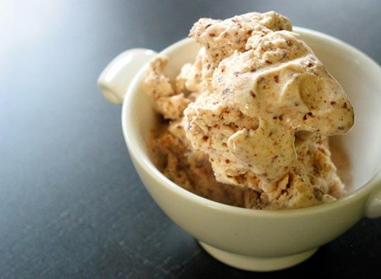 Дженни Бриттон Байер (Jeni Britton Bauer) из Огайо  решила запустить бизнес на производстве мороженого необычных вкусов.