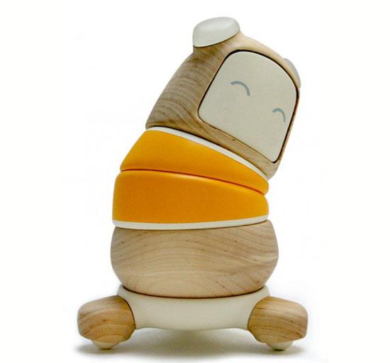 Робот Kompis способен обеспечить прекрасное времяпрепровождение для заболевшего малыша, занять его каким-нибудь делом – музыкой, фотографией, пением, рисованием или решением головоломок.