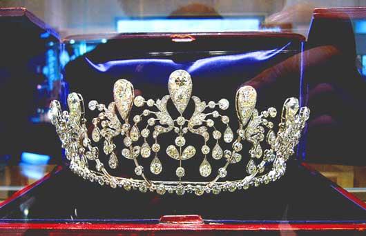 Самая известная в мире французская компания, выпускающая предметы роскоши LVMH, организует  уникальные туры по резиденциям  известных брендов.