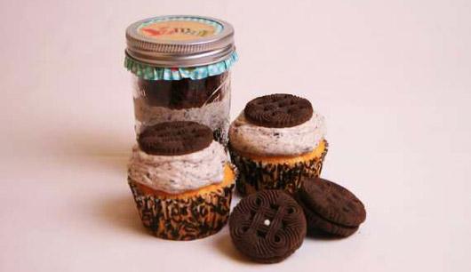 В магазине Stay Calm Cupcake  можно приобрести кексы, запакованные в маленькие стеклянные баночки.