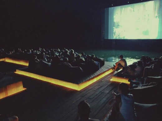 Кинотеатр на воде Archipelago Cinema