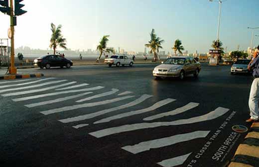 Пешеходные зебры в Мумбаи