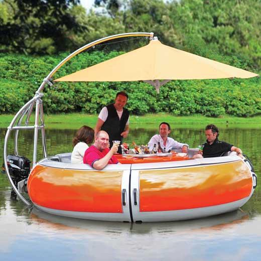 Лодка-гриль для пикника на воде