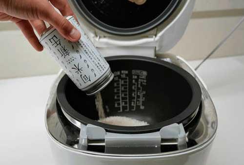 японский рис в жестяной банке из-под колы