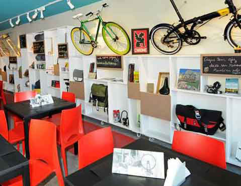 душ в кафе для велосипедистов