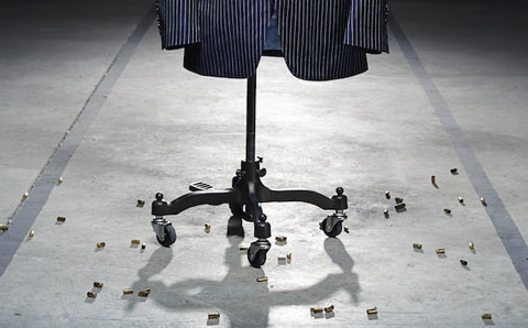 еловой костюм из углеродных нанотрубок