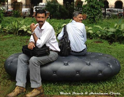 скамейка-резервуар для сбора дождевой воды
