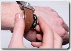 Бизнес идея №4954. Аксессуар для наручных часов превращает любые часы в умные